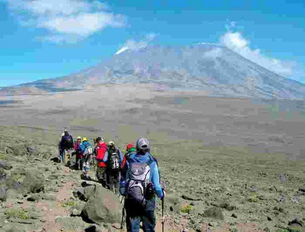 tanzania mt kilimanjaro uhuru peak